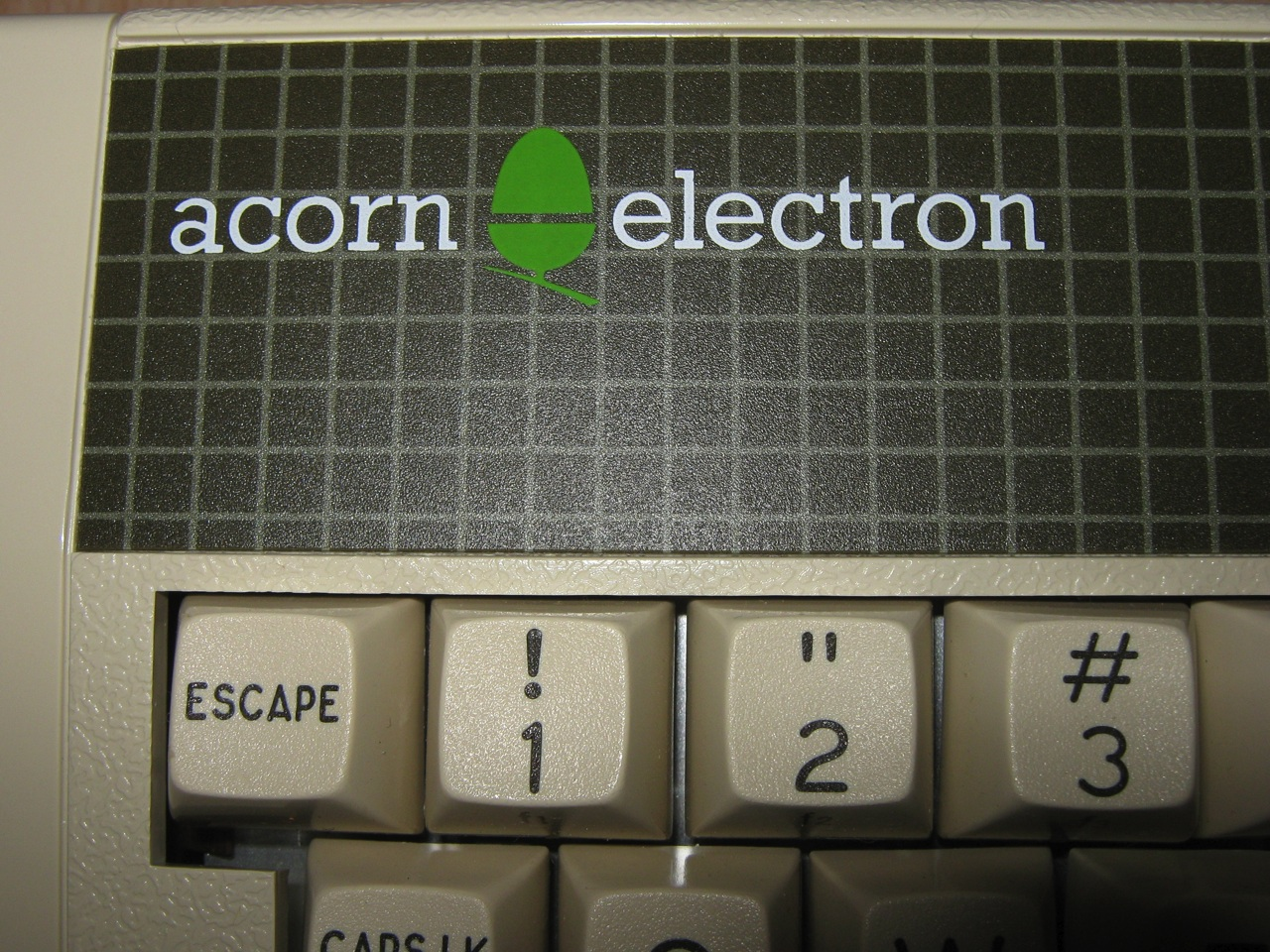 http://www.nightfallcrew.com/wp-content/gallery/acorn-electron-boxed/IMG_4456.jpg