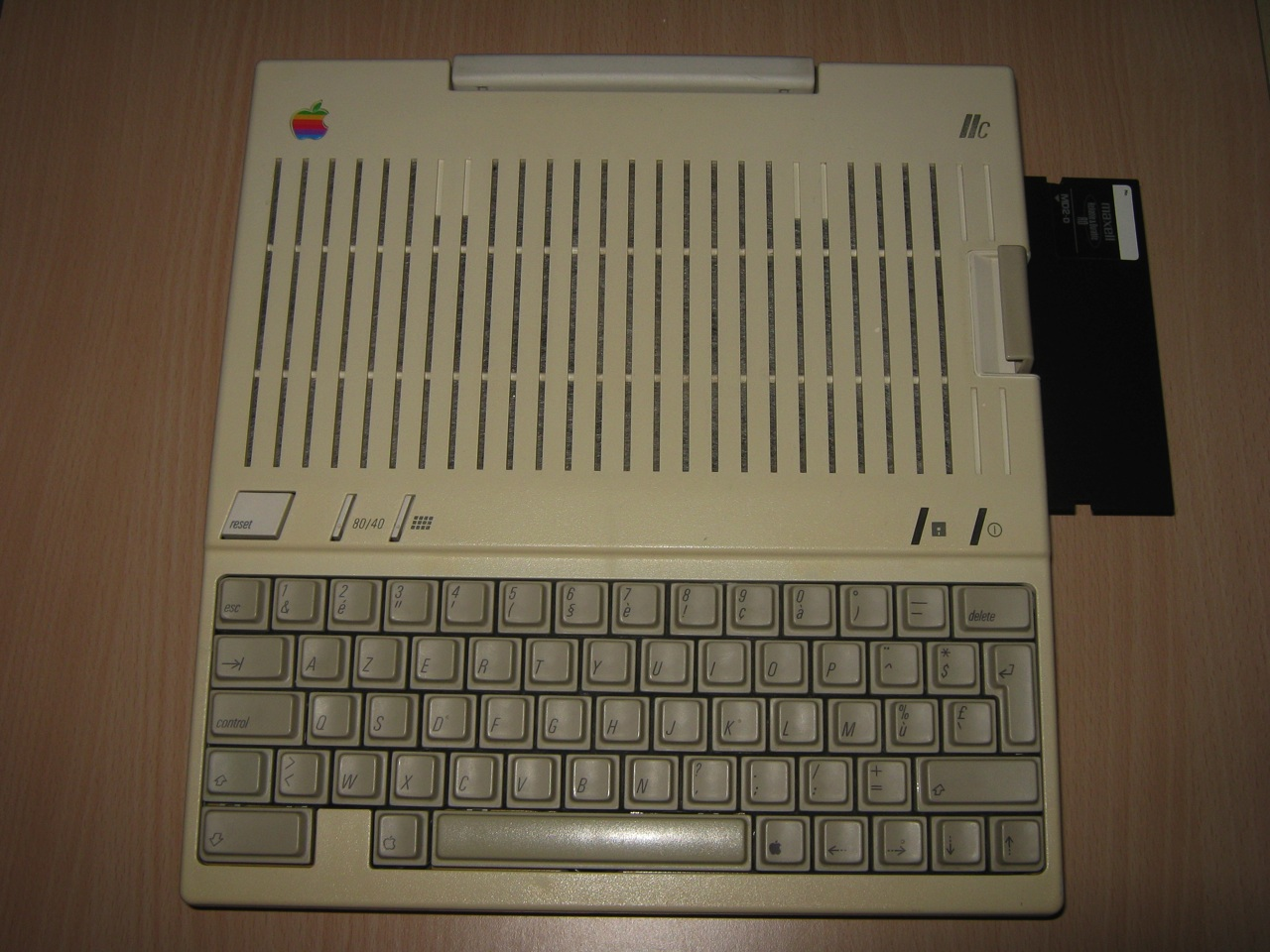 Apple Iic Keyboard Fixed Replaced Floppy Eject Button
