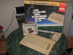 Commodore 64C Family Pack