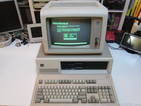 Personal Computer IBM 5160 & Monitor IBM 5151