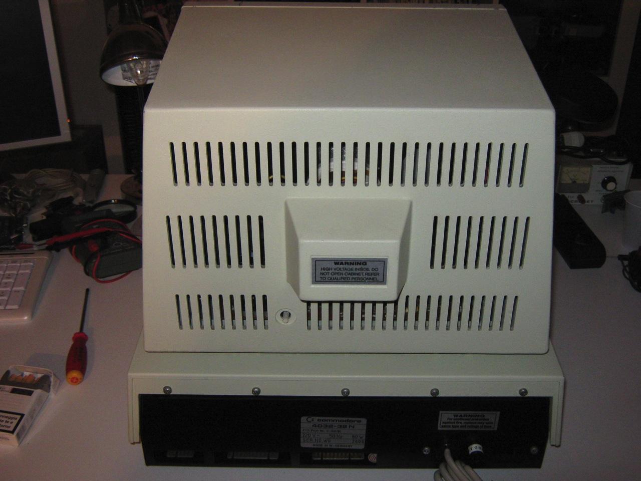 Commodore PET 4032 (Fat 40) | nIGHTFALL Blog / RetroComputerMania.com