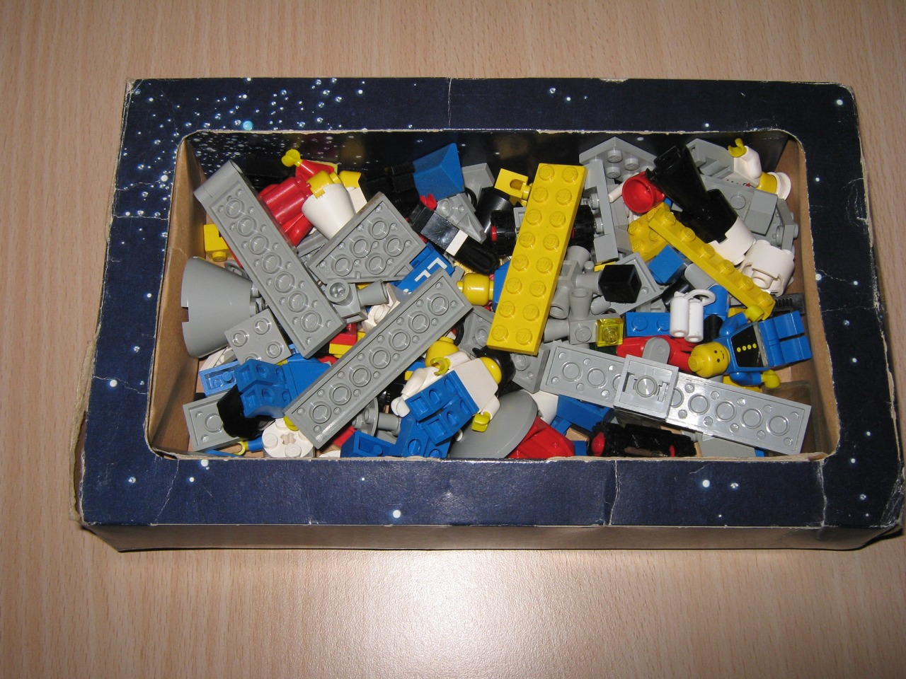 Space set released in 1978 it was one of the very first sets of lego