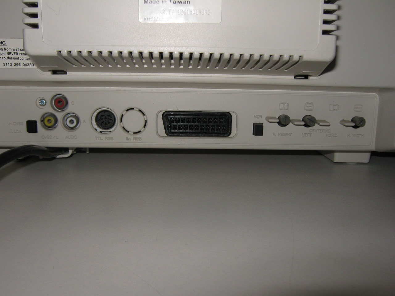Monitor Commodore 1084 Input